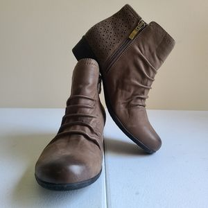 Rockport tan ankle boots sz 6 [N1B]